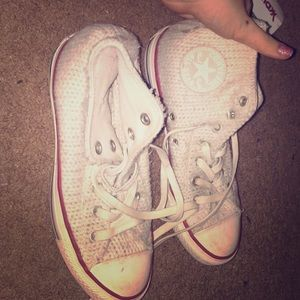 crochet converse. worn only 4 times. size:7